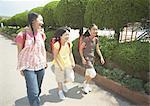 Elementary school students commute Stock Photo - Premium Royalty-Freenull, Code: 670-02642724
