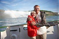 Portrait of Couple at Niagara Falls, Ontario, Canada    Stock Photo - Premium Rights-Managednull, Code: 700-02659691