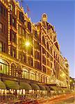 Harrods store illuminated in the evening, Knightsbridge, London, England, United Kingdom    Stock Photo - Premium Rights-Managed, Artist: Robert Harding Images, Code: 841-02704105