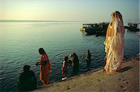 The Ganges (Ganga) River waterfront, Varanasi (Benares), Uttar Pradesh, India    Stock Photo - Premium Rights-Managednull, Code: 841-02704504