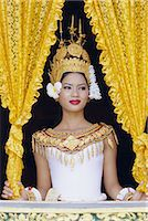 Portrait of a traditional Cambodian dancer, Angkor Wat, Siem Reap, Cambodia, Indochina, Asia    Stock Photo - Premium Rights-Managednull, Code: 841-02706522