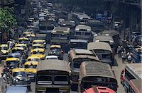 Traffic jam on street on approach to the Howrah Bridge, Kolkata (Calcutta), West Bengal state, India, Asia    Stock Photo - Premium Rights-Managednull, Code: 841-02706811