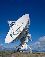 radio telescope - A radio telescope in New Mexico, United States of America, North America    Stock Photo - Premium Rights-Managednull, Code: 841-02708432