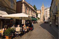 Strada al Duomo, Parma, Emilia-Romagna, Italy, Europe    Stock Photo - Premium Rights-Managednull, Code: 841-02717425