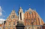 Statue of Roland in front of the House of the Blackheads (Melngalvju Nams), Town Hall Square (Ratslaukums), Riga, Latvia, Baltic States, Europe    Stock Photo - Premium Rights-Managed, Artist: Robert Harding Images, Code: 841-02719721