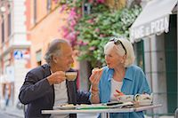 Senior tourists having breakfast in a local cafe, Rome, Lazio, Italy, Europe    Stock Photo - Premium Rights-Managednull, Code: 841-02722051