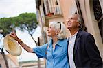 Senior tourists sightseeing, Rome, Lazio, Italy, Europe    Stock Photo - Premium Rights-Managed, Artist: Robert Harding Images, Code: 841-02722055