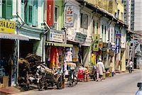 Street scene of shops and signs in Little India on Dunlop Street in the Indian quarter around Serangoon Road in Singapore, Southeast Asia, Asia    Stock Photo - Premium Rights-Managednull, Code: 841-02722772