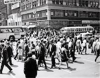 1960s CROWD CROSSING BUSY INTERSECTION IN NEW YORK CITY WITH BUS & CAB IN BACKGROUND    Stock Photo - Premium Rights-Managednull, Code: 846-02792314