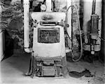 1900s OLD FASHION COAL BURNING HOME HEATER