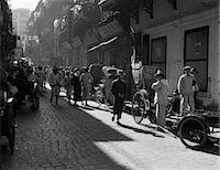 1920s 1930s STREET SCENE RICKSHAWS WAITING FOR HIRE HONG KONG CHINA    Stock Photo - Premium Rights-Managednull, Code: 846-02796278