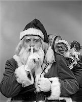 1950s SANTA CLAUS WITH A BAG OF TOYS    Stock Photo - Premium Rights-Managednull, Code: 846-02797880