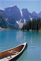 Lake Moraine, Rocky Mountains, Alberta, Canada    Stock Photo - Premium Rights-Managednull, Code: 841-02824985