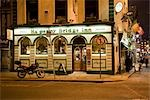 Ha'Penny Bridge Inn at Night, Temple Bar, Dublin, Ireland