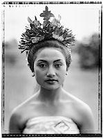 Indonesia, Bali, Ubud, Pendet dancer waiting to perform. Stock Photo - Premium Rights-Managednull, Code: 849-02867608