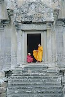 Buddhist monks at Angkor Wat, Angkor, UNESCO World Heritage Site, Siem Reap, Cambodia, Indochina, Asia Stock Photo - Premium Rights-Managednull, Code: 841-02902879