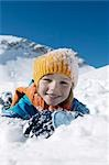 child playing in snow Stock Photo - Premium Rights-Managed, Artist: F1Online, Code: 853-02914377
