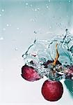 grape falling into water, close-up Stock Photo - Premium Rights-Managed, Artist: F1Online, Code: 853-02914633