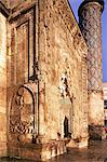 Portal and minaret, Yakutiye Medressi Mosque, Erzerum, Anatolia, Turkey, Asia Minor, Eurasia