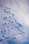 Christmas tree drawing in fresh blanket of snow during winter Alaska                                                                                                                                     Stock Photo - Premium Rights-Managed, Artist: AlaskaStock              , Code: 854-02955830