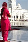 Woman at Golden Temple, Amritsar, Punjab, India                                                                                                                                                          Stock Photo - Premium Rights-Managed, Artist: Sarah Murray             , Code: 700-02957816