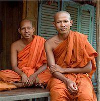 Two Buddhist monks,Phnom Penh,Cambodia                                                                                                                                                                   Stock Photo - Premium Rights-Managednull, Code: 851-02959030