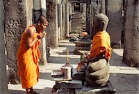 Monk praying in the Preah Khan Temple,Siem Reap,Cambodia                                                                                                                                                 Stock Photo - Premium Rights-Managednull, Code: 851-02959033