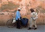 Man with bicycle selling oranges,Marrakesh,Morocco                                                                                                                                                       Stock Photo - Premium Rights-Managed, Artist: Axiom Photographic       , Code: 851-02962133