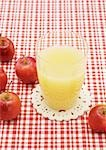 Apple juice Stock Photo - Premium Royalty-Free, Artist: Beanstock Images, Code: 670-02966949