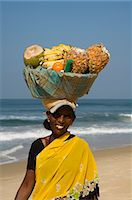 Fruit vendor on beach near the Leela Hotel, Mobor, Goa, India, Asia                                                                                                                                      Stock Photo - Premium Rights-Managednull, Code: 841-02992252