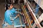 A woman weaving at one of the cooperatives in an area that is famous for its saris, Maheshwar, Madhya Pradesh state, India, Asia                                                                         Stock Photo - Premium Rights-Managed, Artist: Robert Harding Images, Code: 841-02992326