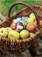 Apples in basket with jar of apples Stock Photo - Premium Royalty-Freenull, Code: 649-03008657
