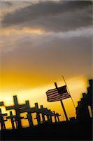 flag at half mast - Iraq Sunday Memorial,Santa Monica Beach,California,United States of America,North America                                                                                                                Stock Photo - Premium Rights-Managednull, Code: 841-03034896