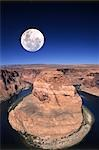 Moon over canyon during daytime                                                                                                                                                                          Stock Photo - Premium Rights-Managed, Artist: Aflo Relax               , Code: 859-03036421