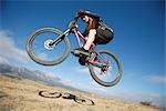 Mountain biker getting air                                                                                                                                                                               Stock Photo - Premium Rights-Managed, Artist: Aflo Sport               , Code: 858-03048276