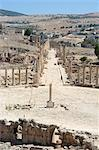 Oval Plaza (Forum) and Cardo Maximus colonnaded street, Roman city, Jerash, Jordan, Middle East                                                                                                          Stock Photo - Premium Rights-Managed, Artist: Robert Harding Images    , Code: 841-03056394