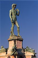 statue of david - Bronze replica of Michelangelo's David on Piazzale Michelangelo, Florence (Firenze), Tuscany, Italy, Europe                                                                                              Stock Photo - Premium Rights-Managednull, Code: 841-03064405