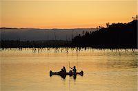 queensland - Canoeing on Lake Tinaroo, Atherton Tableland, Queensland, Australia, Pacific                                                                                                                             Stock Photo - Premium Rights-Managednull, Code: 841-03067778