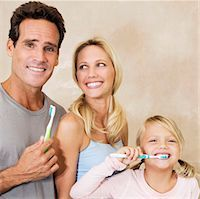 Family brushing teeth in the bathroom                                                                                                                                                                    Stock Photo - Premium Rights-Managednull, Code: 837-03069773