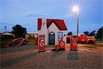 Phillips 66 Service Station on Route 66, McLean, Texas, USA                                                                                                                                              Stock Photo - Premium Rights-Managed, Artist: Jeremy Woodhouse         , Code: 700-03075738
