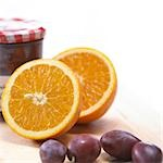 oranges and plums Stock Photo - Premium Royalty-Free, Artist: foodanddrinkphotos, Code: 689-03123837