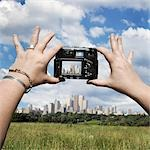 Taking Picture of Toronto Skyline, Ontario, Canada                                                                                                                                                       Stock Photo - Premium Rights-Managed, Artist: Andrew Kolb              , Code: 700-03153053