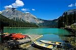 EMERALD LAKE, GREEN IS FROM GLACIAL RUNOFF, YOHO NATIONAL PARK BRITISH COLUMBIA, CANADA Stock Photo - Premium Rights-Managed, Artist: ClassicStock, Code: 846-03165279