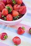 Bowl of Strawberries Stock Photo - Premium Rights-Managed, Artist: Klick, Code: 700-03229377