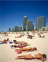 queensland - Gold Coast resort, Australia Stock Photo - Premium Rights-Managednull, Code: 855-03255252