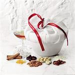 Christmas Pudding Stock Photo - Premium Rights-Managed, Artist: foodanddrinkphotos, Code: 824-03285266