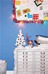 Christmas decorations in office Stock Photo - Premium Royalty-Free, Artist: Robert Harding Images, Code: 693-03302133