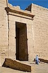 A colossal doorway through the second pylon of Ramses III's mortuary temple at Medinet Habu,Luxor,Egypt Stock Photo - Premium Rights-Managed, Artist: AWL Images, Code: 862-03352910