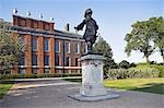 Statue of William III standing outside Kensington Palace. Stock Photo - Premium Rights-Managed, Artist: AWL Images, Code: 862-03353256
