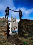 Derry, Reconciliation Statues, Carlisle road